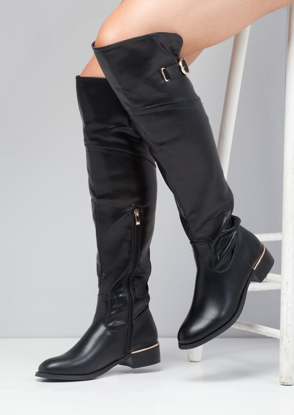 Shop for over the knee boots with ASOS. From flat or heeled over-the-knee boots in dress down stretch, to leather & suede heeled styles available at ASOS.