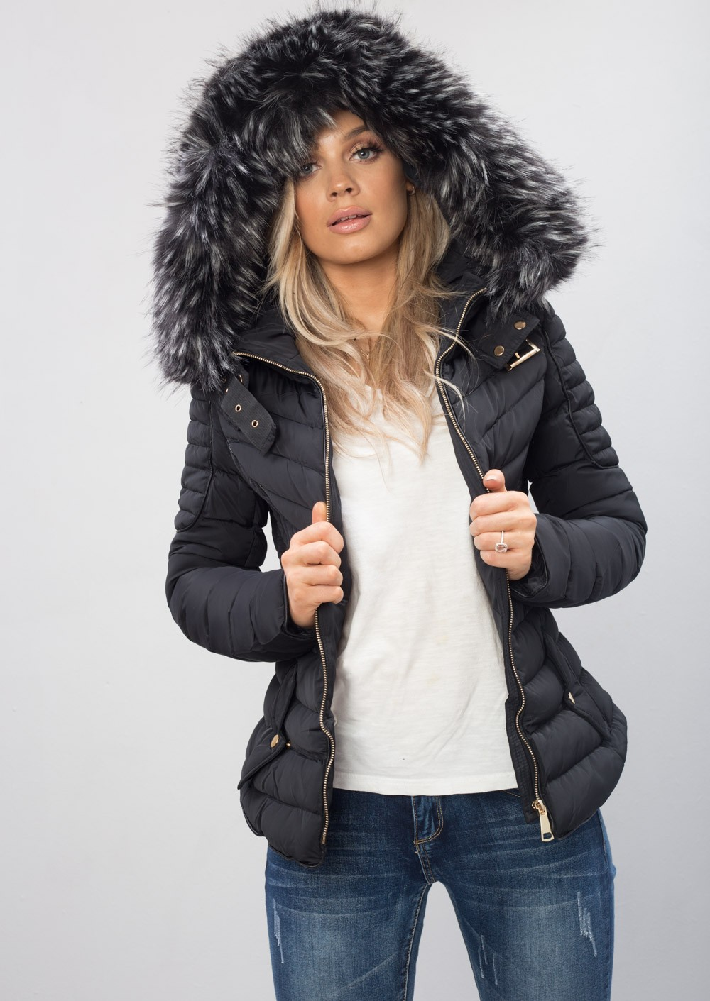 Find black jacket with fur hood at ShopStyle. Shop the latest collection of black jacket with fur hood from the most popular stores - all in one.