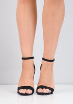 Pointed Strappy Chunky Heeled Sandals Black