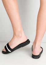 White Stripe Flat Sliders Black