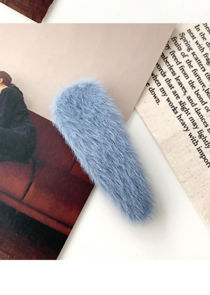 Fluffy Textured Water Drop Shaped Hair Clip Blue