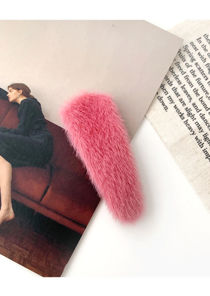 Fluffy Textured Water Drop Shaped Hair Clip Pink