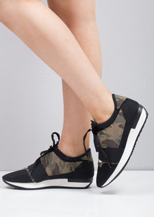Lace Up Elastic Band Sneakers Trainers Camouflage Green