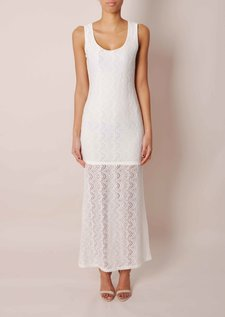 data/December/white-dress.jpg