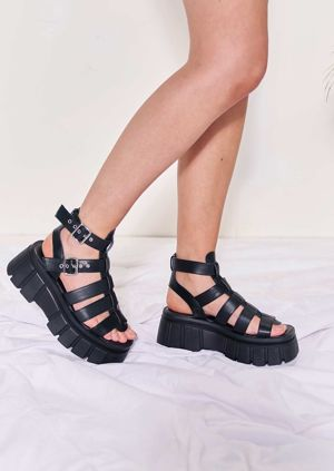 Chunky Cleated Buckle Strapped Faux Leather Gladiator Sandals Black