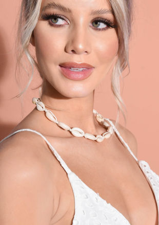 Shell Choker Necklace Cream