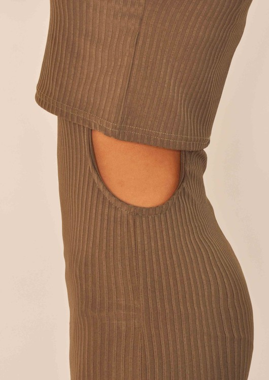 data/2015-/April/Odessa Khaki cut out body con detail.jpg