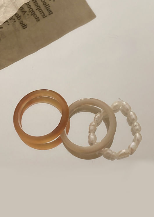 Acrylic Marbled Faux Pearl Beaded Three Ring Set Beige