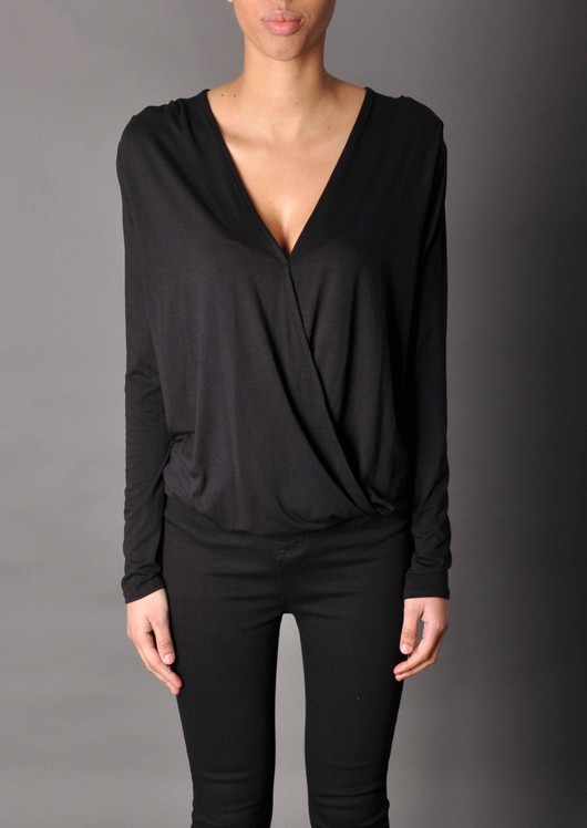 data/2015-/black wrap top.jpg