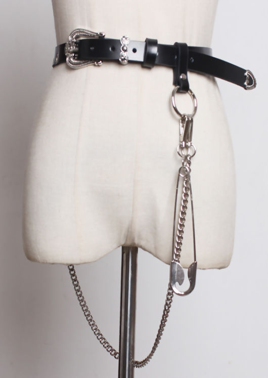 Chain Detail Western Style Bucket Belt Black