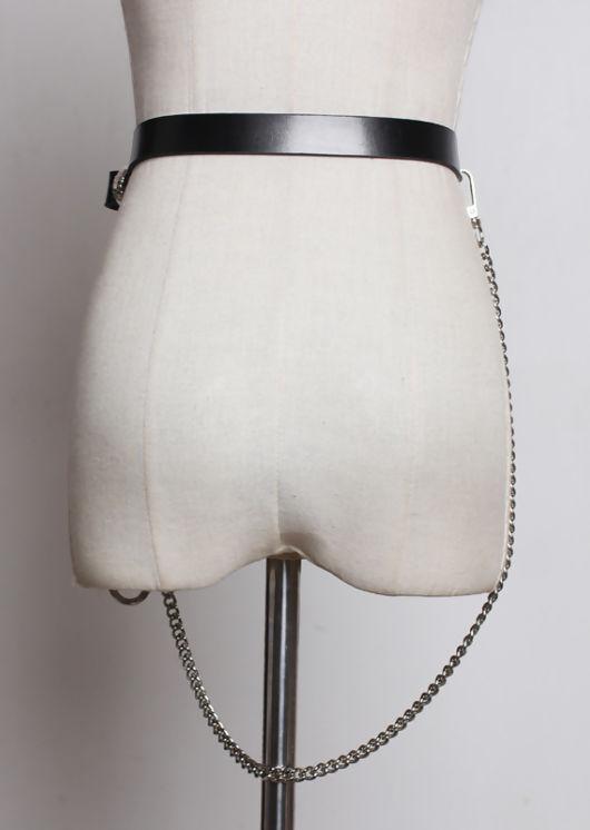 Chain Detail Western Style Bucket Belt Black