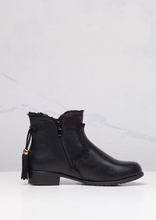 Chelsea Ankle Boots With Tassel Leather Black