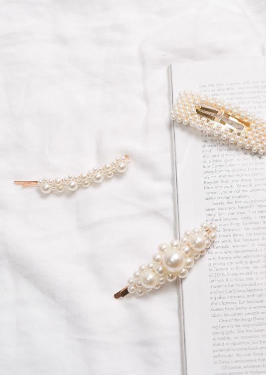 Faux Oversized Pearls Hair Slide Gold