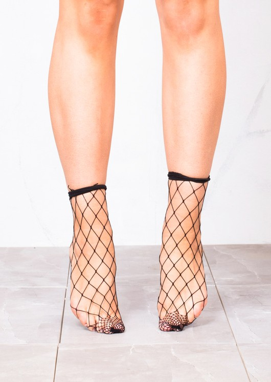 Fishnet Diamond Ankle Socks Black