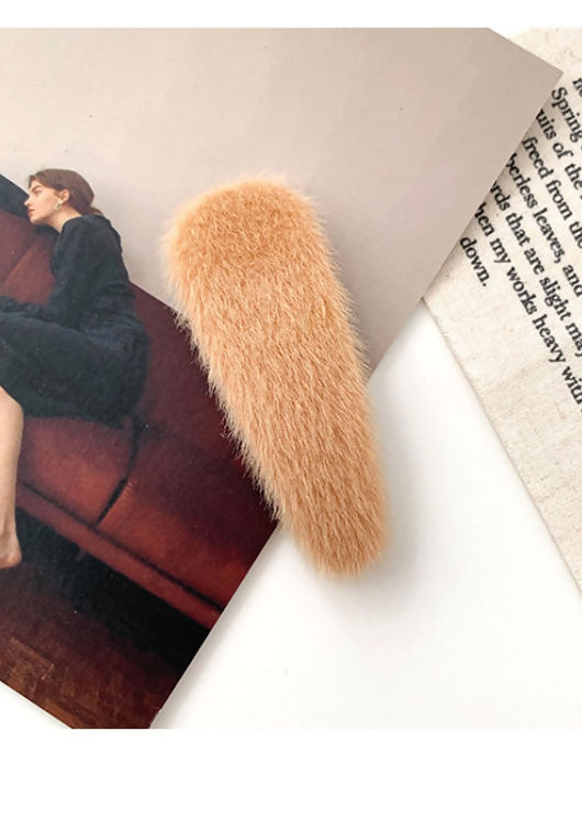 Fluffy Faux Fur Water Drop Hair Clip Beige