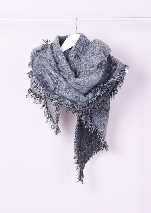 Super Soft Knitted Fringe Hem Scarf Grey