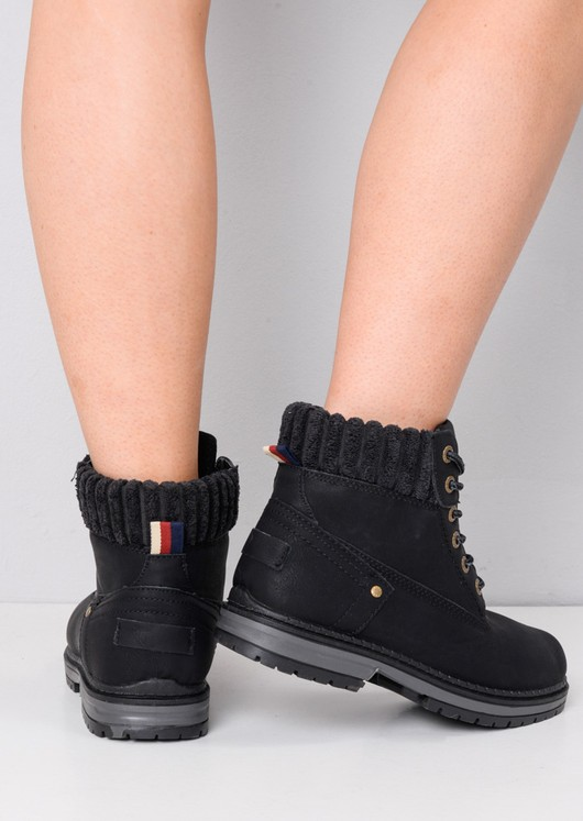Ribbed Trim Lace Up Cleated Chukka Ankle Boots Black