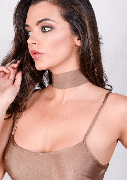 Lightweight Metallic Choker Mocha