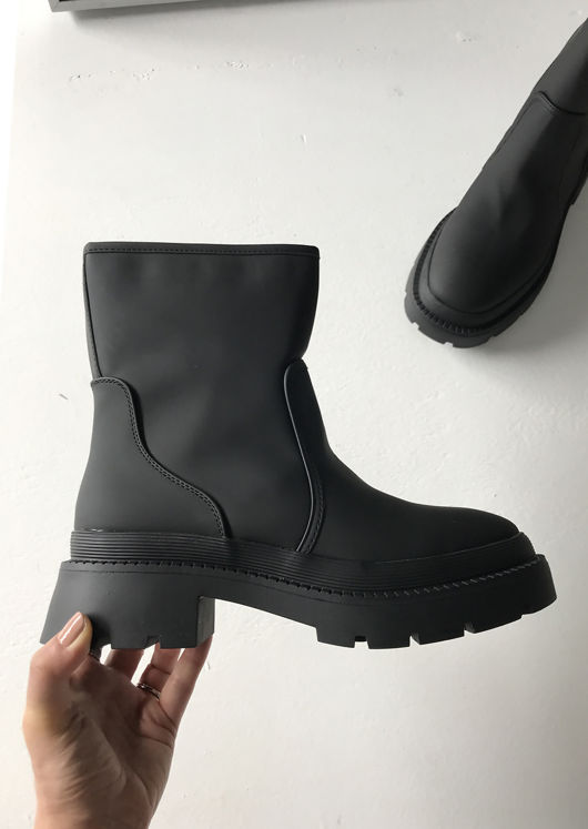 Pu Chunky Cleated Chelsea Biker Ankle Boots Black