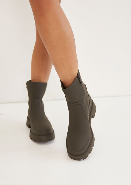 Rubberised Chunky Cleated Wellie Ankle Boots Green