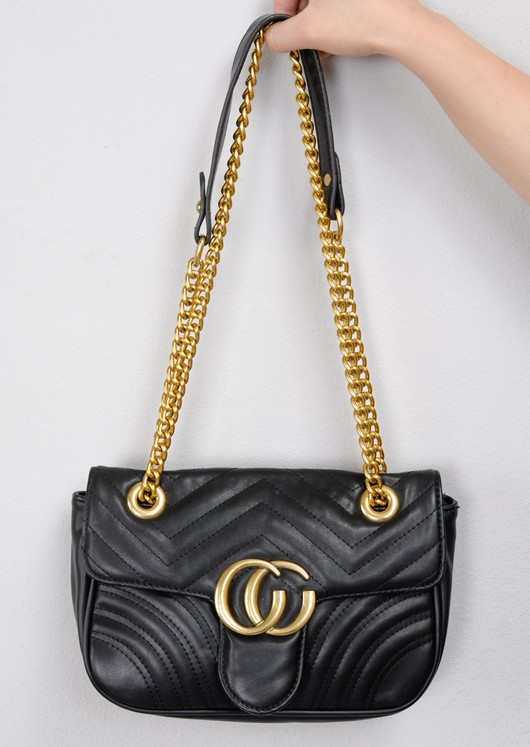 70cbbcc0224 Quilted Gold Chain Shoulder Bag Black