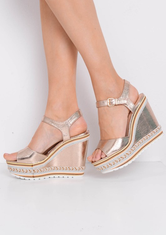 Cleated Metallic Gold Striped Heeled Rose Wedge Sandals ulFTcK1J3
