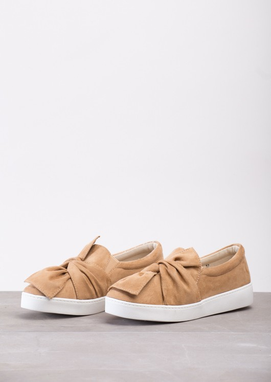 Twist Front Slip On Pumps Sneaker Suede Brown